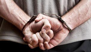 Policiais militares prendem suspeito de tráfico no residencial João Alberto