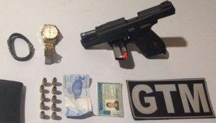 Polícia prende dois homens por posse de entorpecentes