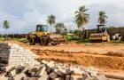 Prefeitura volta a embargar obra irregular em Panaquatira e aplica multa de 1 milhão