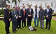 Governador recebe líderes evangélicos em ato simbólico no Palácio dos Leões