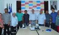 Prefeito visita bairros e acompanha execução de obras que beneficiarão moradores de São José de Ribamar