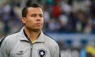 Jair Ventura fecha treino do Botafogo e sugere reservas contra a Ponte