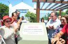 Luis Fernando entrega títulos de propriedade à Paróquia e reconstrói mais duas praças