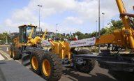 Flávio Dino entrega mais 18 motoniveladoras para melhorar estradas