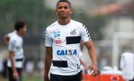 Com entorse no joelho, Braz passará por exames e pode desfalcar Santos