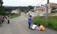 Família vela corpo por 13 horas no meio da rua à espera do IML