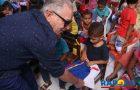 Talita Laci entrega fardamento aos alunos da rede municipal de ensino da Raposa