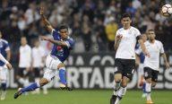 Na estreia do novo técnico, Corinthians perde na Libertadores