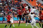Uruguai marca no final e confirma o favoritismo