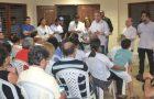 Luis Fernando visita obras no Parque Vitória e conversa com a moradores do Jardim Araçagy