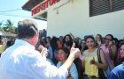Luis Fernando concede aumento aos professores de Ribamar