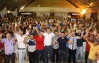 Gil Cutrim é aclamado por multidão na cidade de Lago da Pedra